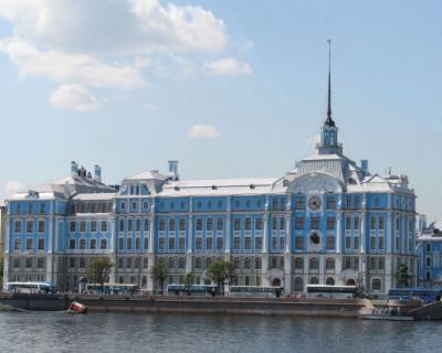Российские СМИ пишут о том, что 49 кадетов и преподавателей Нахимовского  училища заболели коронавирусом