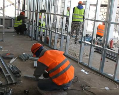 В Севастополь доставили медицинское оборудование для строящегося военного медцентра