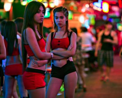 Секс-работники Таиланда остались без клиентов и денег