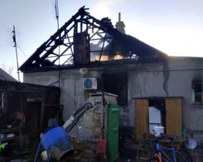 В Крыму женщина и ребенок погибли во время пожара