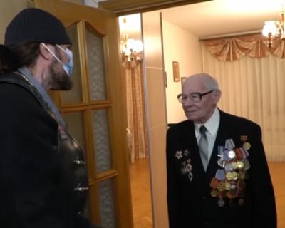 «Ночные Волки» продолжают поздравлять ветеранов (ВИДЕО)