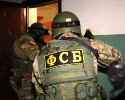 Сотрудники ФСБ изъяли в Крыму и регионах России у преступной группы 95 единиц огнестрельного оружия