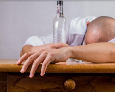 Севастопольцы не смогут купить в жилых домах алкоголь