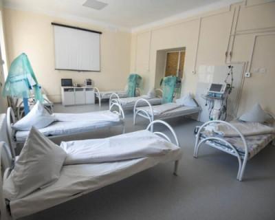 Врио губернатора Севастополя поручил проработать меры защиты медиков в больницах