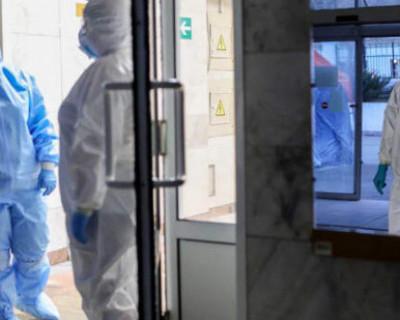 В Крыму массово обследуют медиков из-за контактов с зараженными COVID-19