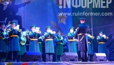 Праздничный вечерний концерт в Севастополе (фото, видео)