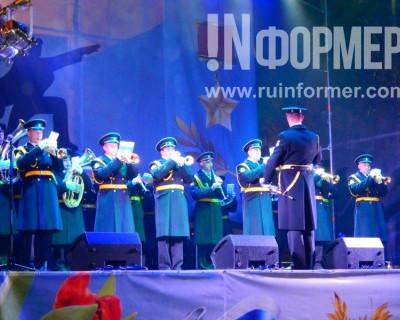 Праздничный вечерний концерт в Севастополе