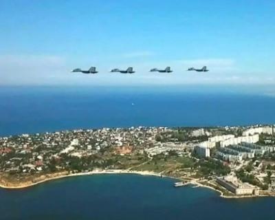 В Севастополе состоялась репетицию воздушного парада (ВИДЕО)
