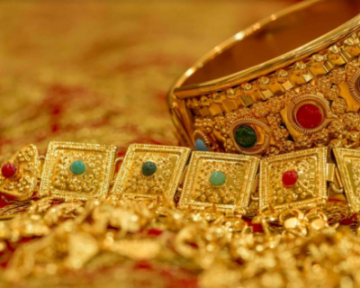 В Севастополе 19-летняя иностранка систематически похищала у знакомой золотые украшения