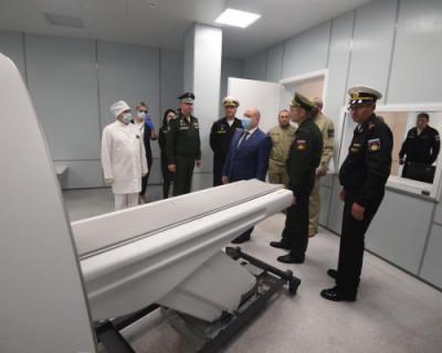 Михаил Развожаев доложил президенту о завершении строительства госпиталя в Омеге