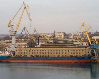 Недопустимо, что в центре Севастополя находится завод, одна часть которого принадлежит Ахметову, а другая Порошенко!