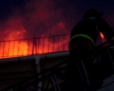 На Большой Морской в Севастополе вспыхнула крыша