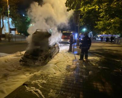 В результате ДТП в центре Севастополя загорелся автомобиль (ФОТО)