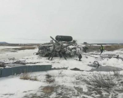 В результате жесткой посадки военного вертолета на Чукотке погибли четыре человека (ВИДЕО)