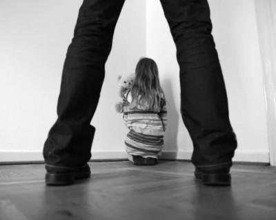 Крымчанин насиловал несовершеннолетних девочек