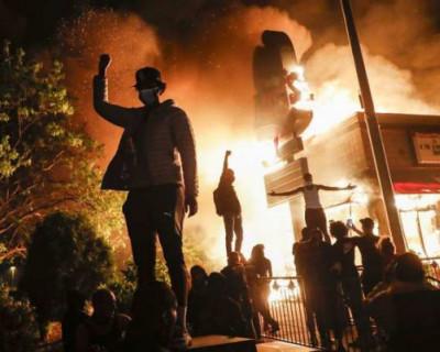 Массовые акции протеста в США переросли в погромы (ВИДЕО, ФОТО)