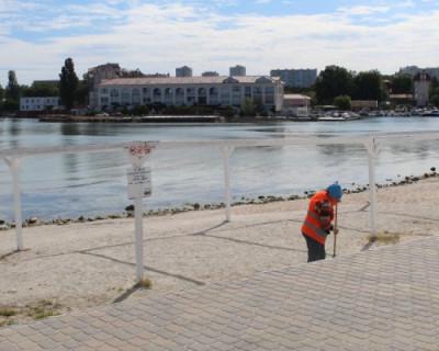 Севастопольские пляжи готовят к сезону