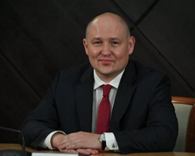 Михаил Развожаев поздравил коллектив соцработников и оценил последние приобретения для особых детей
