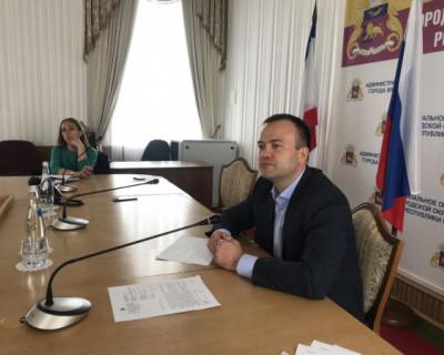 Крымский министр посетил площадку строительства детсада и выявил серьезное отставание от графика работ