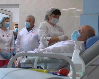 Врио губернатора Севастополя сдал кровь