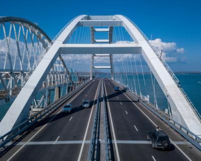 Транспортный поток на Крымском мосту достиг уровня 2019 года