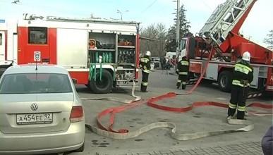 Сегодня в театре Лавренева в Севастополе давали пьесу «Тушение пожара» (фото)