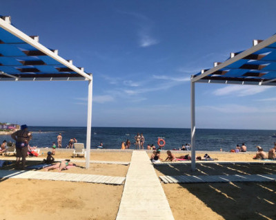 В Севастополе открылся пляж курортного комплекса «Аквамарин»