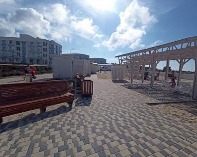 На лучшем пляже Севастополя «Адмиральская лагуна» открылся купальный сезон-2020