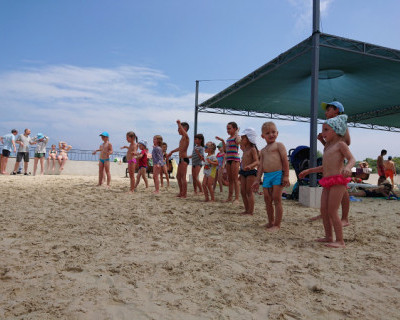 Веселые выходные на пляже «Адмиральская лагуна» от «ИнтерСтрой»