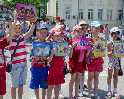 Российские дети получат дополнительные 10 тысяч рублей в июле