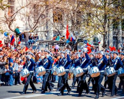 В Параде Победы в Севастополе приняли участие легендарные танки времен войны