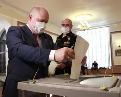 Михаил Развожаев проголосовал за поправки в Конституцию