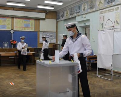 Военнослужащие ЧФ РФ проголосовали за поправки в Конституцию РФ