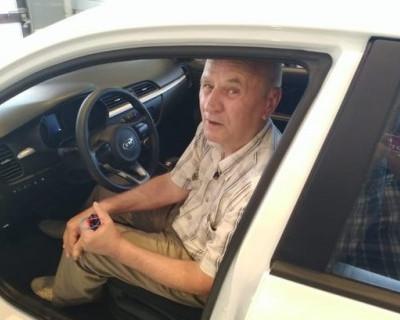 Вчерашний победитель севастопольской викторины «Патриотическая столица» оформил в салоне машину