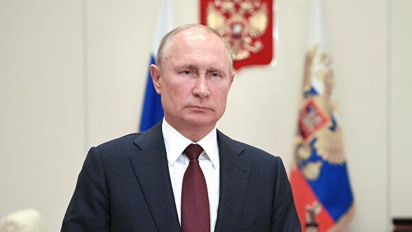 Владимир Путин своим решением присоединил Крым и Севастополь к России