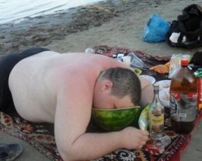 Севастопольцы, какие типажи «бесят» вас на пляжах города и всего Крыма? (ОПРОС)
