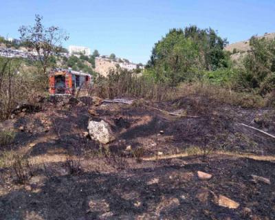 Севастопольские огнеборцы за день три раза тушили пожары