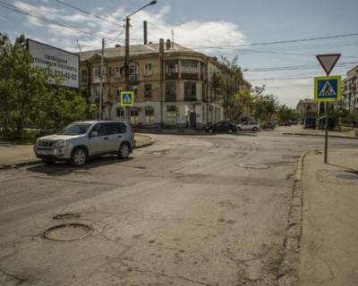 Недобросовестный подрядчик сорвал ремонт шести дорог в Севастополе