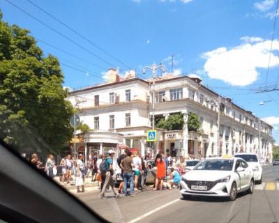 В ДТП в центре Севастополя пострадала женщина