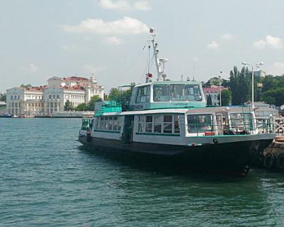 В Севастополе отменили движение катеров через бухту