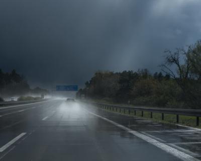 Завтра в Севастополе гроза, дождь и сильный ветер