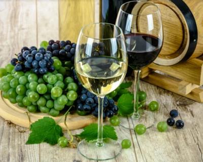 Почему вино из Крыма можно купить во многих магазинах Киева и всех крупных городов Украины