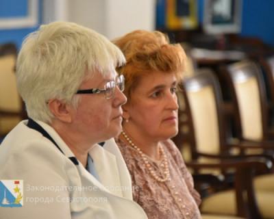Организация летнего отдыха десятков тысяч севастопольских детей не под силу заместителю губернатора Севастополя Ольге Тимофеевой?