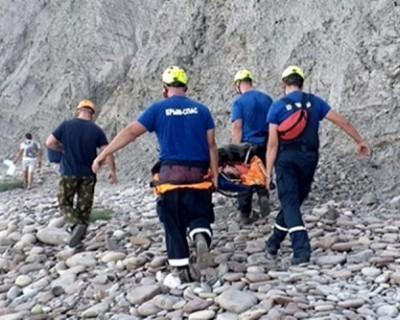 В Крыму мужчина упал с дуба