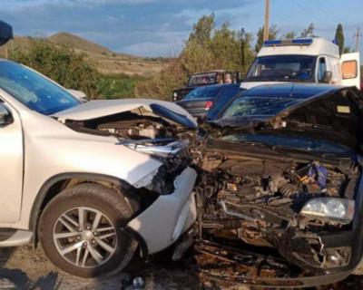Водитель и пассажир авто Ford Focus травмированы в результате ДТП в Коктебеле