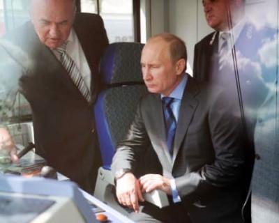 Владимир Путин принимает участие в церемонии закладки кораблей ВМФ в Керчи (ВИДЕО)
