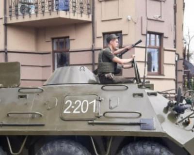 Террорист захватил автобус с заложниками на Украине (ВИДЕО, ФОТО)
