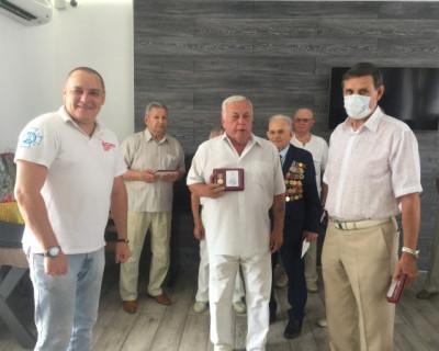 Медали памяти – от благодарных потомков в Севастополе