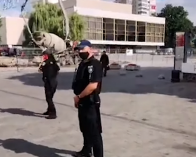 Террорист, захвативший автобус с заложниками на Украине, пытался сбить полицейский дрон