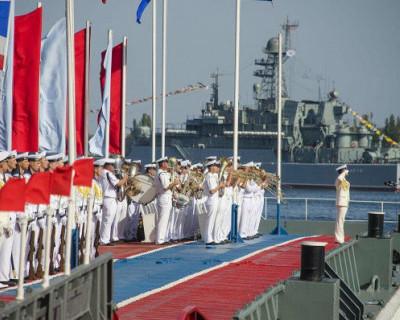 Моряки и артисты готовят сюрприз зрителям на День ВМФ в Севастополе